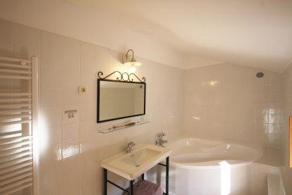 5-ap-3-bathroom